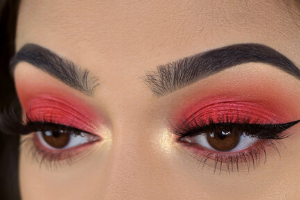 Beauty hacks eye-shade