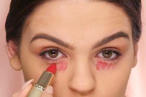red lipstick concealer